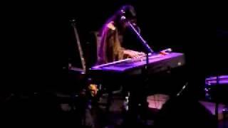 Bat for Lashes - Sad Eyes (live au Trabendo)