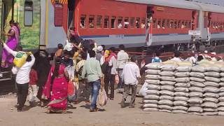 preview picture of video 'Osmanabad Railway station has no longer platform'