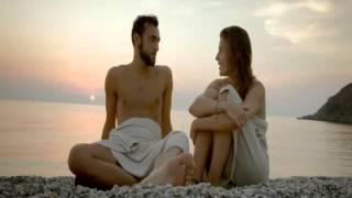 Marco Mengoni nella spiaggia della N'gonia del Tono a Milazzo (fatta passare per quella di Taormina)