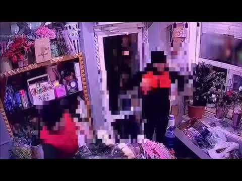 В Якутске молодой человек похитил букет из 101 розы, чтобы помирить друзей