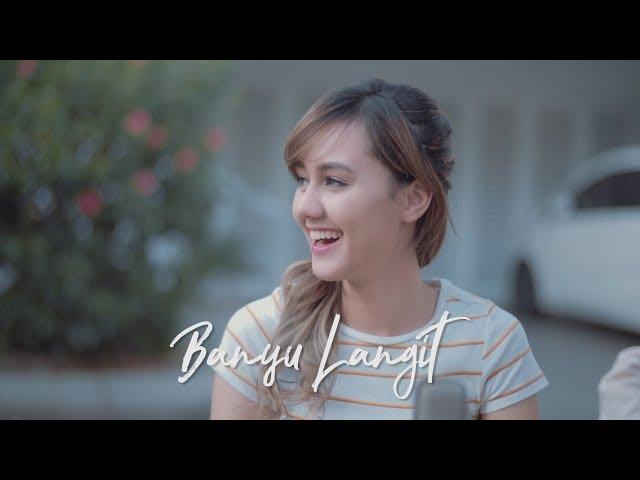 BULE CANTIK NYANYI LAGU JAWA ( BANYU LANGIT  - DIDI KEMPOT Jodilee Warwick Cover )