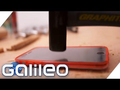 Extrem-Test: Wie stabil sind Handyhüllen?   Galileo   ProSieben