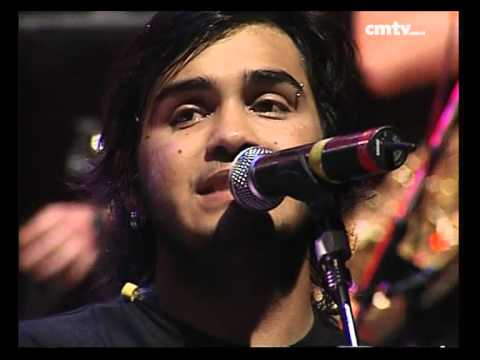 Los Nocheros video Vuela una lágrima - CM Vivo 2005