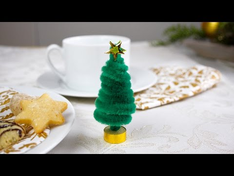 Weihnachtsbaum aus Pfeifenputzern / Christmas tree from pipe cleaners