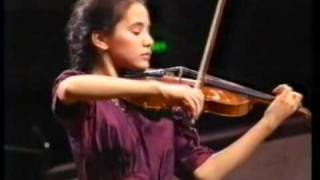 Sally Cooper performs Bruch Violin Concerto (Movt 1)