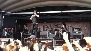 Falling in Reverse Live @ Warped tour Carson CA - Sink or Swim 8-10-2011