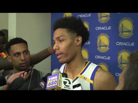 Draymond Green keeps interrupting Patrick McCaw's interview by poking his ears