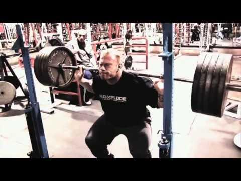 Les exercices sur de différents groupes des muscles pour une semaine