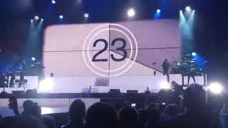 """Ariana Grande - Intro and """"Bang Bang"""" (live in London)"""