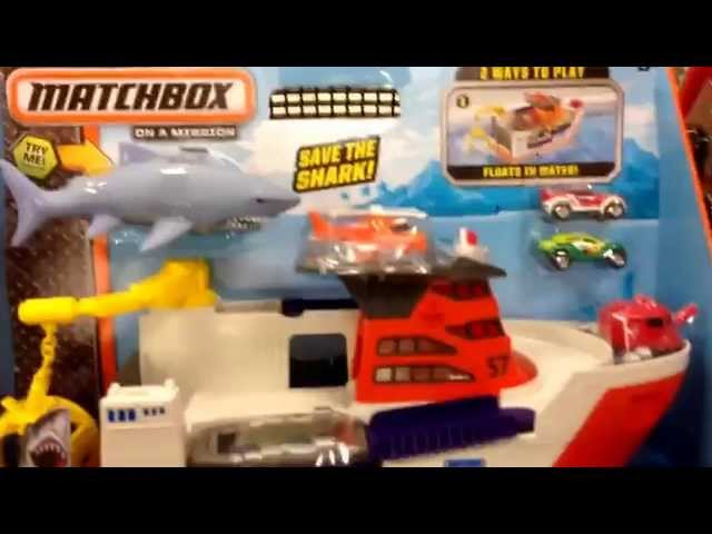 "MATCHBOX ""Mission: Marine Rescue Shark Ship"" Huge Boat and Mini Toy Car Set / Toy Review"