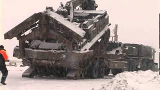 Шляхопрокладач БАТ-2 розчищує дорогу від снігу