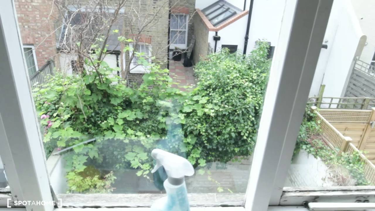 Rooms for rent in 4-bedroom houseshare in Fulham