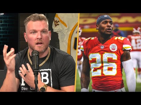 Pat McAfee Reacts To Le'Veon Bell Joining The Chiefs
