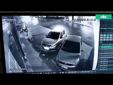 Motociclista atropela e mata idoso que tentava atravessar avenida, em Fortaleza; veja vídeo