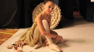 preview picture of video 'Concours de danse classique - Clara Jungas - Trophée Tsirelle - Paris 2013'