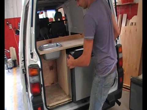 Wir bauen Campervans mit einer Küche und Kühlschrank - zum Mieten oder auch zum Kaufen