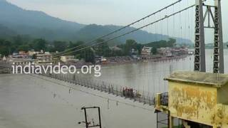 Lakshman Jhula � a suspension bridge across Ganga, Rishikesh