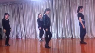 Современный танец китайских девочек Хэйхэ
