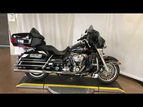 2012 Harley-Davidson® Electra Glide® Ultra Classic™ FLHTCU103
