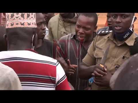 Aba takisi balwanye e Mukono, bakubaganye n'okwefumita ebiso