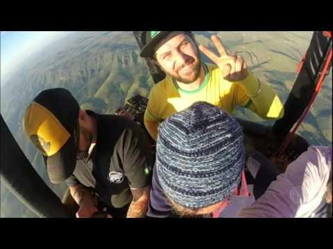 Embarque num balão sobre a Serra da Canastra