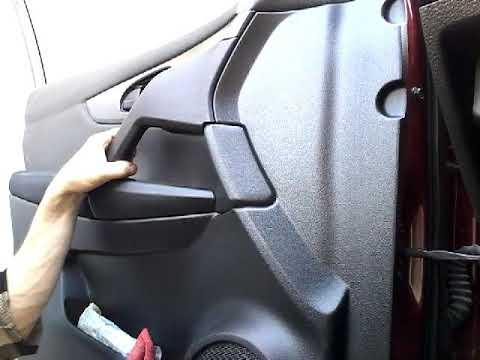 Как снять обшивку карту передней двери NISSAN QASHQAI(2012-)demontaz boczka drzwi przod/door panel r
