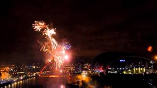 preview picture of video 'New Year Newcastle upon Tyne Gateshead Quayside Midnight Fireworks'