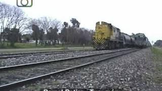 preview picture of video 'Cruzadas en Granadero Baigorria (2): Tren de ALL saliendo de la estación hacia Rosario'
