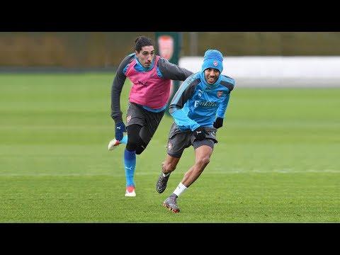 Hector Bellerin VS Aubameyang - Amazing Speed