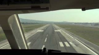 preview picture of video 'Dassault Falcon 7X Approach and Landing At Rome (Ciampino) Cockpit View'