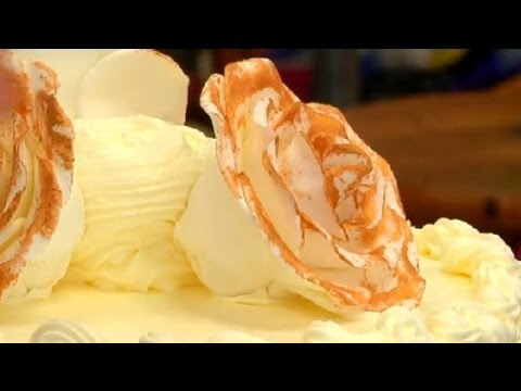 mp4 Cake Decorating Golden Wedding, download Cake Decorating Golden Wedding video klip Cake Decorating Golden Wedding