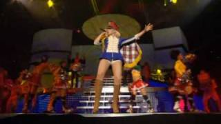 gwen stefani - hollaback girl (live dvd harajuku lover) HQ