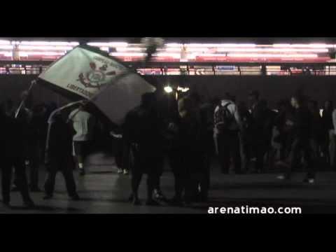 O dia em que dois mil Corinthianos foram defender a Arena Corinthians