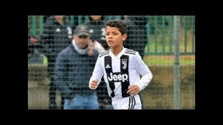 Ronaldo's son crosses his father with his talents .. The new king of football! 👑