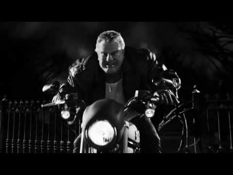 Sin City: A Dame to Kill For (Clip 'Manut Pummels Dwight')