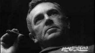 Για όποιους έχουν δει το Dr Strangelove ... ο Σγος Ρίπερ αρνείται την ανταλλαγή των πολύτιμων σωματικών υγρών του με κομμουνίστριες. (από allivegp, 02/04/11)