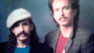 preview picture of video 'The Bellamy Brothers -  Restless  45 rpm.'