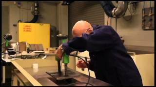 Magnetic Particle Testing using a Yoke