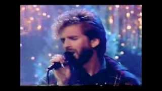 KENNY LOGGINS (Emotional Performance) - HAVE YOURSELF A MERRY LITTLE CHRISTMAS (Live 80s)