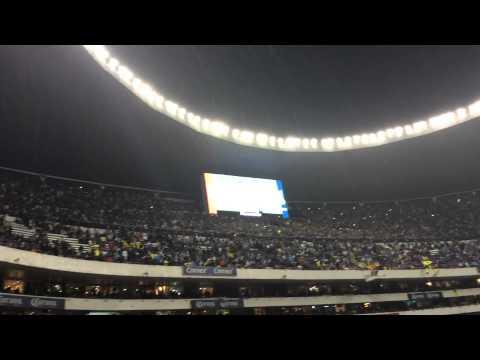 """""""América 0-3 Pumas - la Rebel en el azteca"""" Barra: La Rebel • Club: Pumas"""