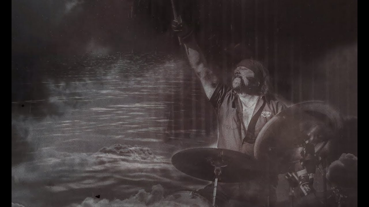 HELLYEAH - Skyy and water