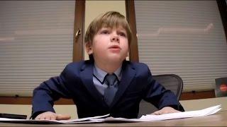 Смотреть онлайн Ребенок проводит собеседование со взрослыми