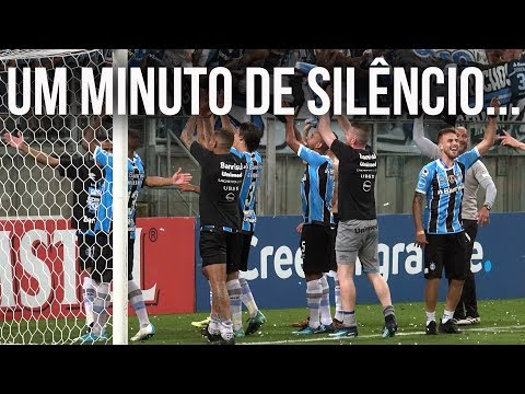 """""""UM MINUTO DE SILÊNCIO... SHHHH"""" Barra: Geral do Grêmio • Club: Grêmio • País: Brasil"""