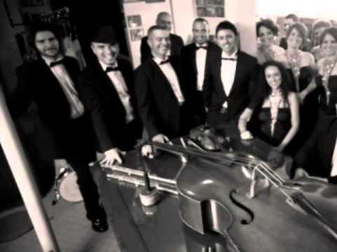 İstanbul12 Orkestrası - Türk Marşı (Rondo Alla Turca) klip izle