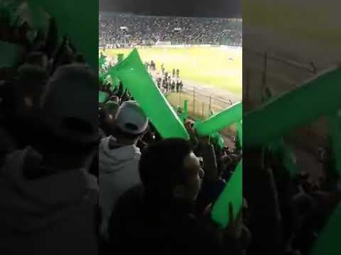 """""""Recibimiento LDS clásico 186"""" Barra: Los de Siempre • Club: Oriente Petrolero • País: Bolívia"""