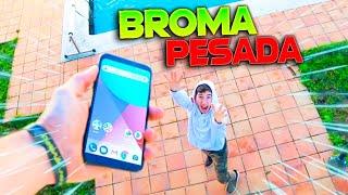 LE ROMPO EL IPHONE A MI HERMANO PEQUEÑO *SE ENFADA* BROMA MUY PESADA Makiman