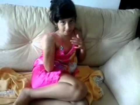 Menina engrasada