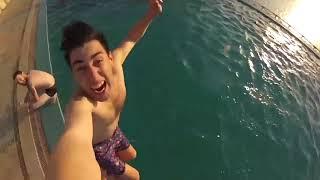 Голышом купаться! Видео голышом