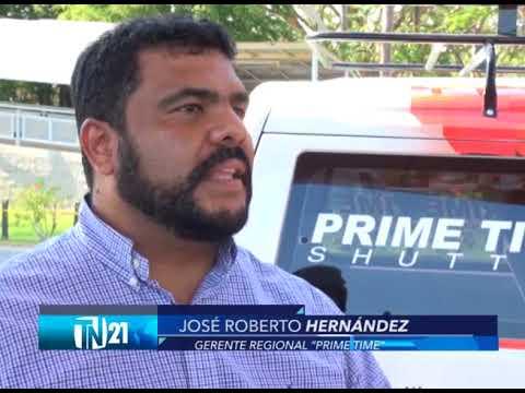 Deportados encuentran trabajo como taxistas en aeropuerto