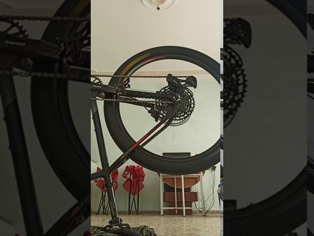 Видео Обод DT Swiss 533D 26x22 DB P SE 28 BL 01P STD VI